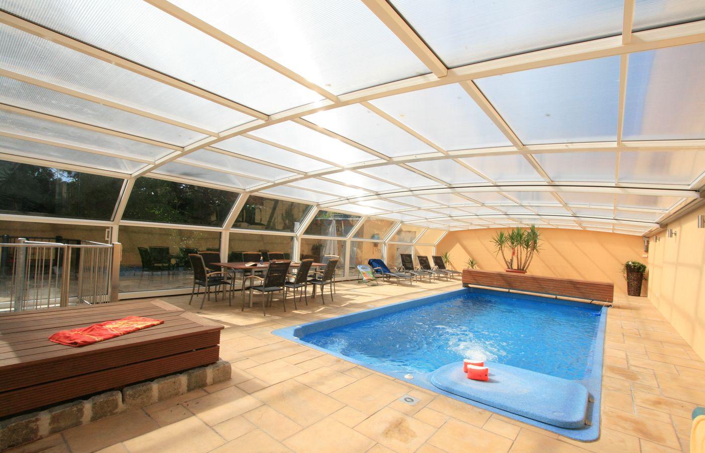 Quais as vantagens de cobertura retr til de piscina pode for Coberturas para piscinas