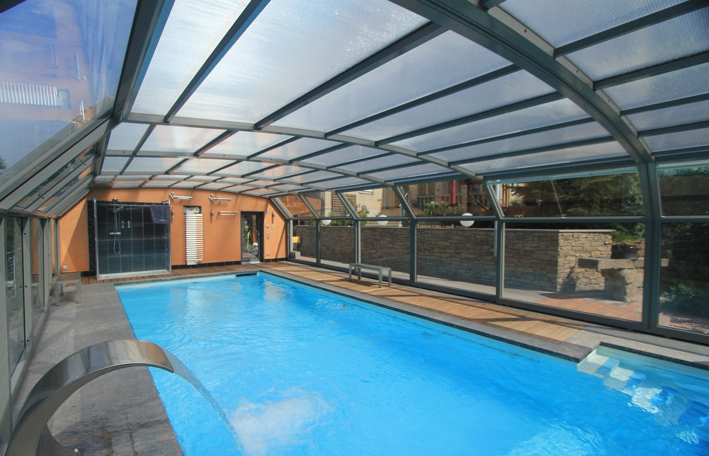 Cobertura de piscina alucober 17 alucober coberturas for Cobertura piscina