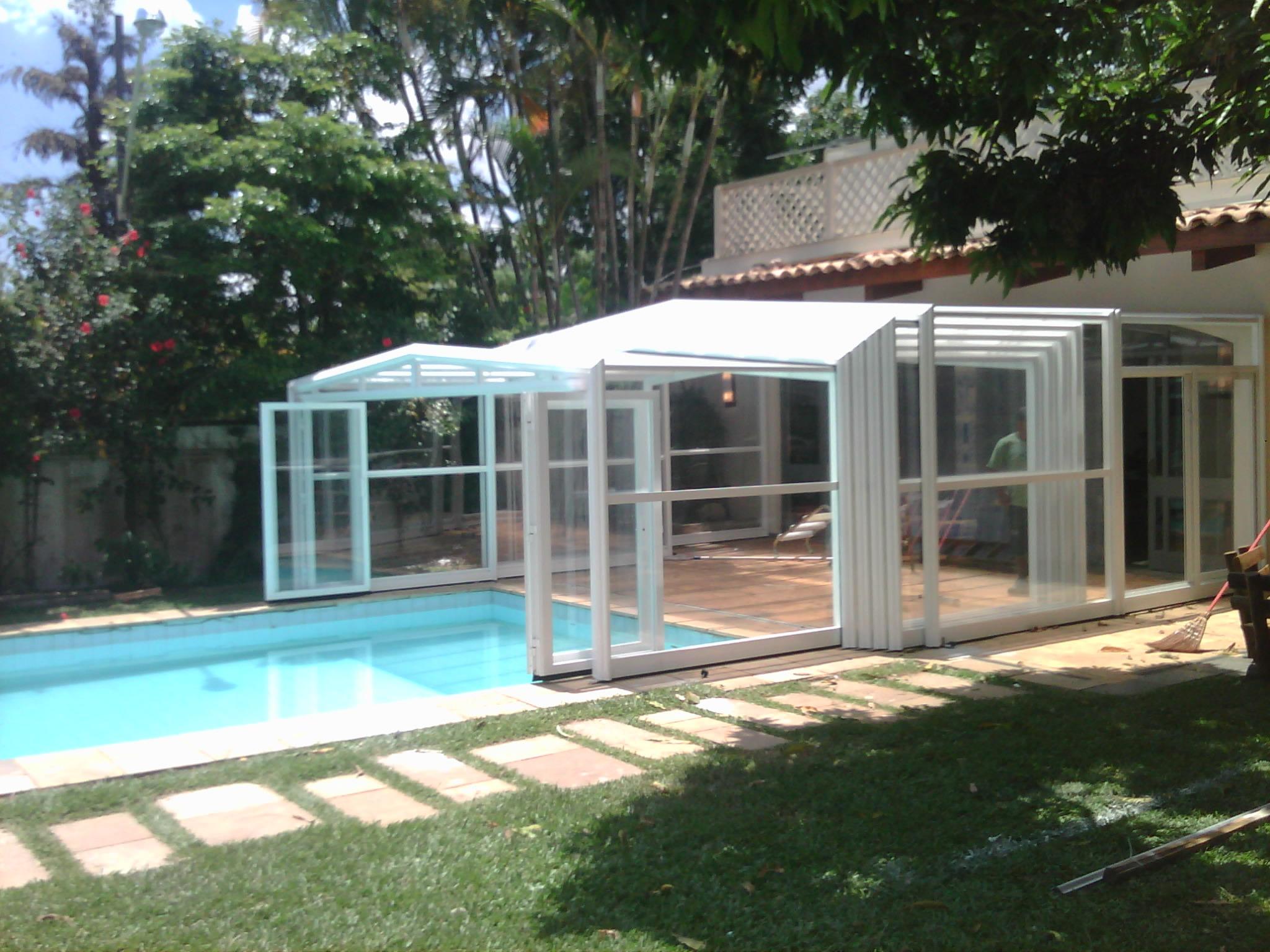 O custo benef cio de uma cobertura retr til telesc pica de for Cobertura piscina